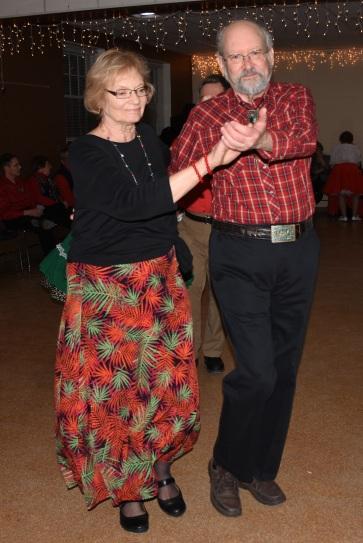 Gil and Karen Round Dancing